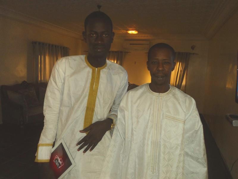 Fadel Mbacké administrateur d'assirou.net en compagnie de Cheikh Amar au magal de Touba