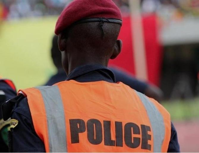Pikine: Un brigadier-chef à la retraite se fait choper avec dix cachets administratifs dont celui du ...