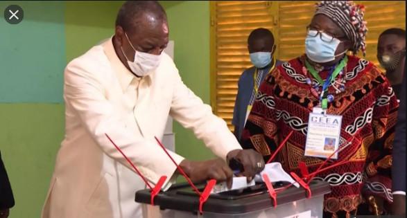 Guinée / Mamadou Lamine Diallo, Tekki: