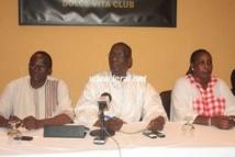 """Mamadou Diop Decroix: """"Le Président Macky devrait plutôt se mettre à labourer le champ des urgences"""""""