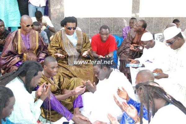 Abdourahmane Fall Tilala chez Thione Seck le jour du baptême de la fille de Wally et de Sokhna Aïdara