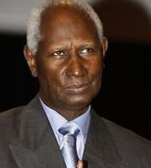"""Abdou Diouf lance une mobilisation """"urgente'' au Mali"""