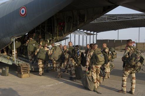 La France frappe les bastions islamistes au Mali