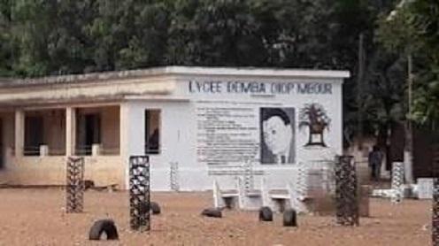 Ouverture des classes: Le lycée Demba Diop de Mbour étale sa misère