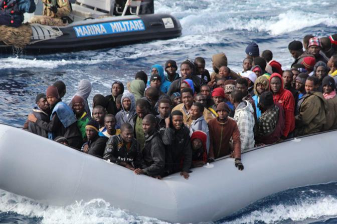 Saturés, l'Espagne barricade les camps d'accueil des migrants