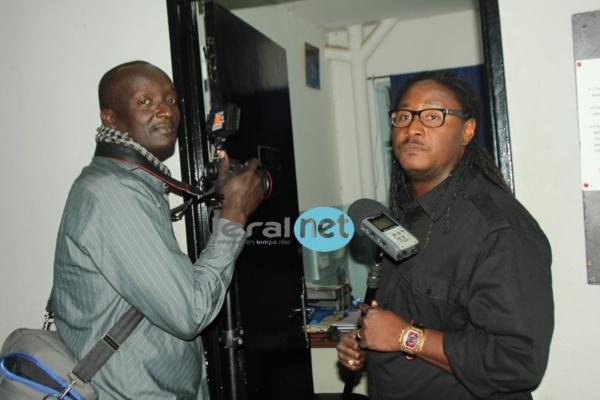 Didier Awadi en plein tournage