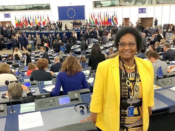 L'Eurodéputée Dr. Pierrette Herzberger-Fofana félicite Joe Biden et Kamala Harris