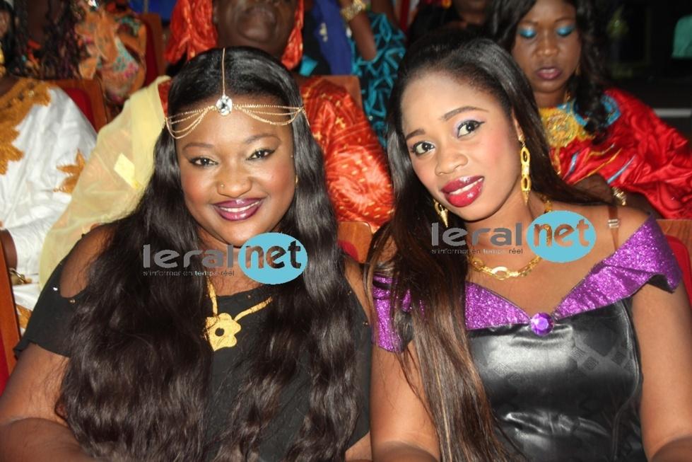 La fille de Mbaye Dièye Faye, Thiané avec l'épouse de Fata