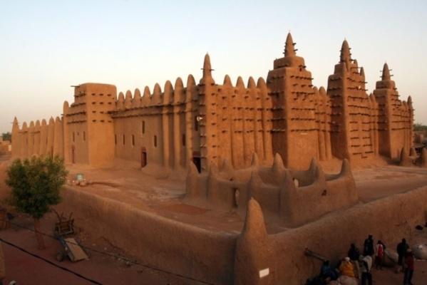 """Guerre au Mali : Tombouctou - """"Le palais de Kadhafi a été bombardé par les Français"""""""