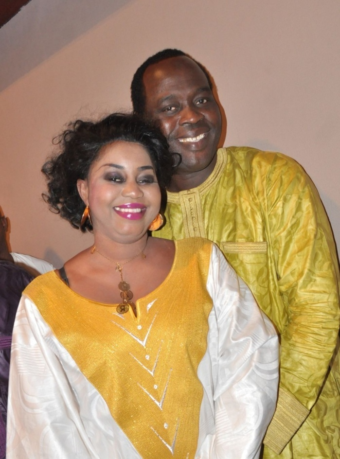 Le nouveau Pca du Bsda, Doudou Ndiaye Mbengue montre sa joie avec son épouse