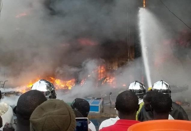 Incendie du marché Ocass: Une délégation du Pastef auprès des commerçants, Sonko interpelle l'Etat sur cette récurrence