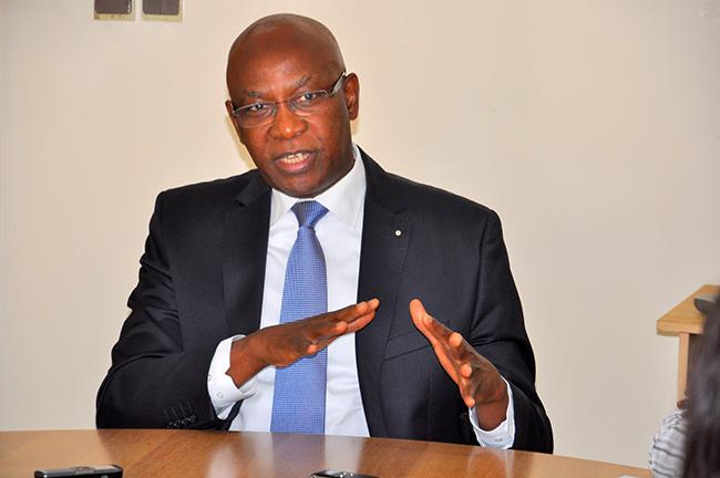 Manque d'eau à Dakar: Les assurances du ministre Serigne Mbaye Thiam