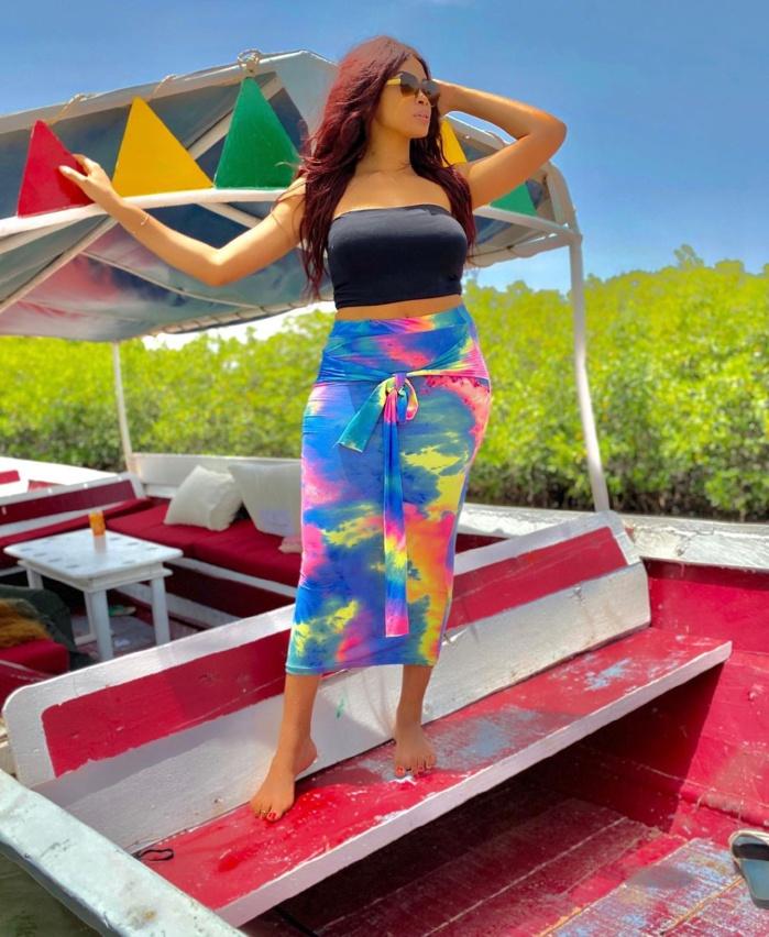 Appréciez les clichés les plus sexy de Miss Seynabou Toure « Wiri Wiri » (Photos)