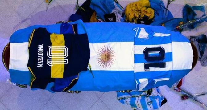 Obsèques: l'Argentine inconsolable, a enterré Diego Maradona ce jeudi