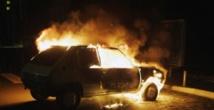 ENEA: les étudiants incendient 2 véhicules et barrent la corniche ….