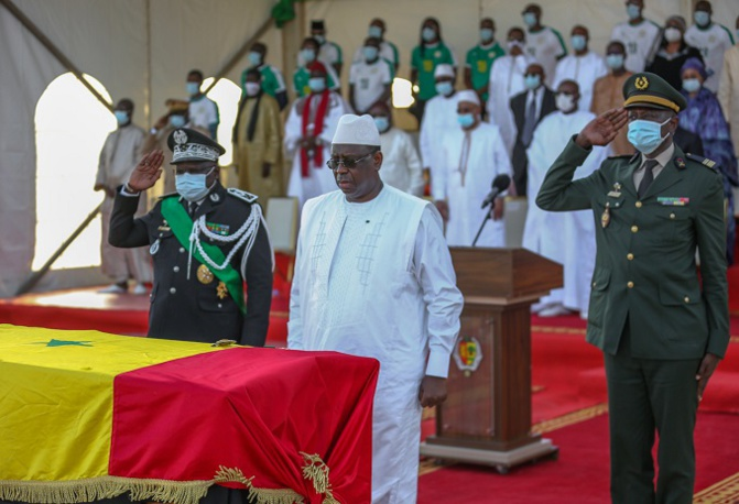 Hommage à Pape Bouba Diop : les images immortalisant les adieux de la nation à son fils