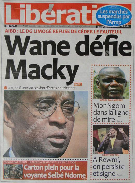 A la Une du Journal Libération du lundi 11 février 2013