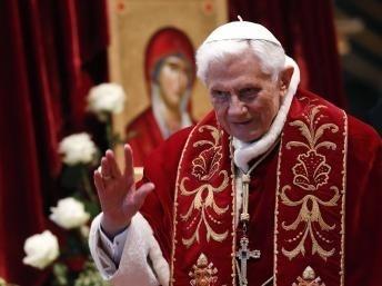 Le pape Benoît XVI annonce sa démission prochaine