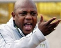 Stephen Keshi rend le tablier