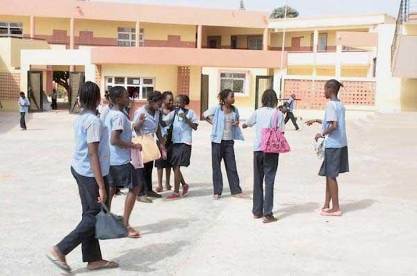 Covid-19: Plus 300 enseignants du privé licenciés