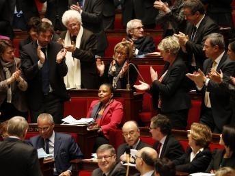France : le mariage pour tous adopté à l'Assemblée nationale