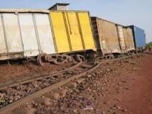 Thies : Un camion heurte un wagon du train contenant de produits toxiques...