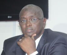 Abdou Latif Coulibaly : Un journaliste dans le gouvernement, la Société civile piégée
