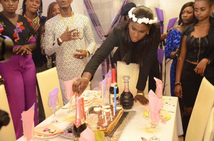 L'actrice Maïmouna « Dinama Nekh » fête son anniversaire en grande pompe, aux côtés de son mari Metzo Diatta (Photos)