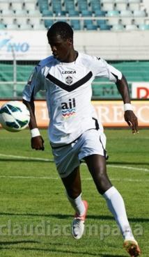 """Entretien exclusif avec """"Bebeto"""" un talentueux jeune footballeur sénégalaisau au FC Lugano en Suisse"""
