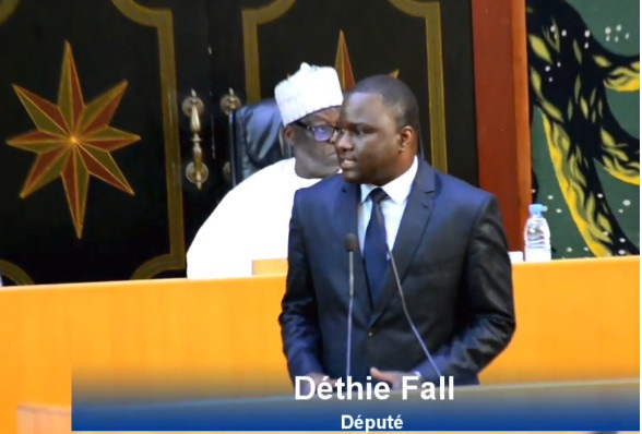 Amadou Diouf-Analyste politique : « Déthié Fall doit aussi rendre son poste de député »