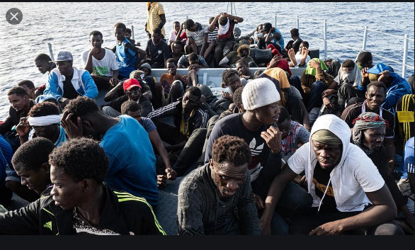 Emigration clandestine : Macky Sall salue la mémoire des disparues