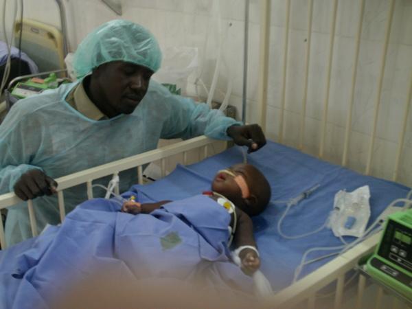 Bébé Adama enfin opéré: L'Association Ndimbel Jaboot aide familiale vous remercie
