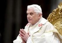 Vatican: Benoit XVI n'est plus pape