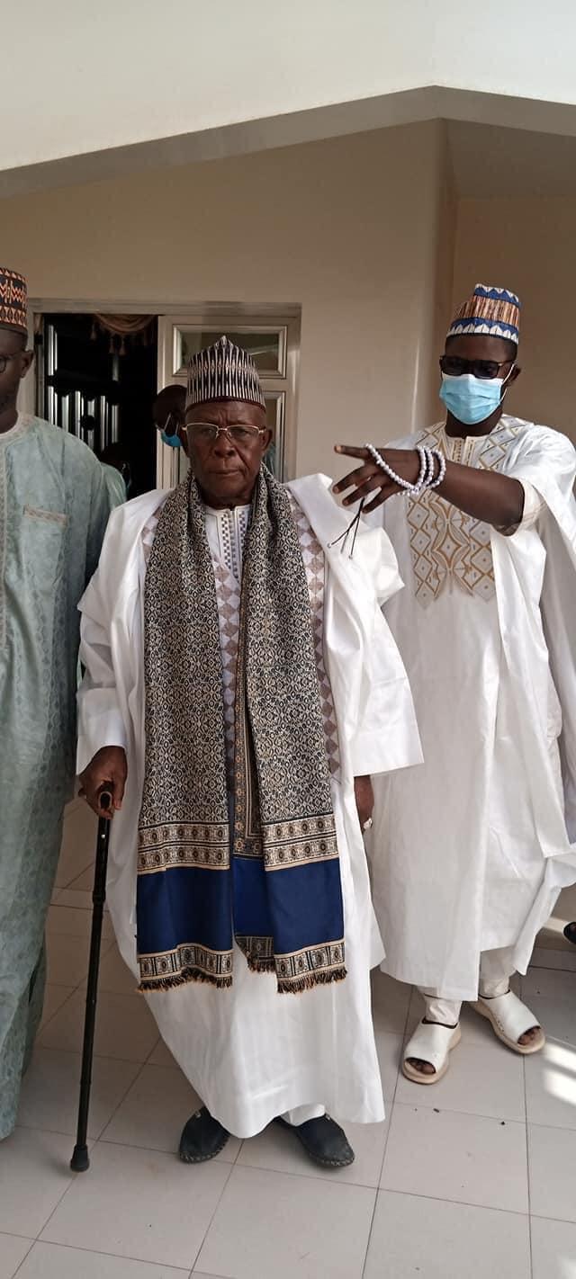 Touba - En images la visite du Khalife de Léona Niassène, Cheikh Ahmed Tidiane à Serigne Mountakha