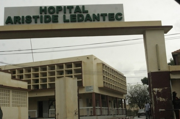 Sit-in des femmes de l'hôpital Le Dantec...