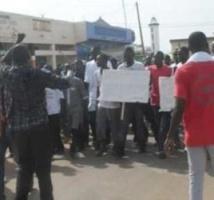 Ziguinchor : les élèves du Centre national de formation des techniciens en agriculture et en génie rurale marchent vers Dakar