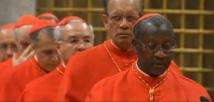 Cardinal Théodore Adrien Sarr prête serment dans la Chapelle Sixtine