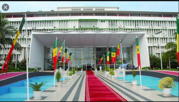 Couvre-feu et état d'urgence: L'Assemblée nationale va être saisie ce lundi par le Chef de l'Etat