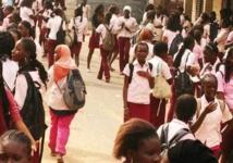 Fin de la crise au Lycée John Kennedy : les enseignants grévistes reprennent les cours demain