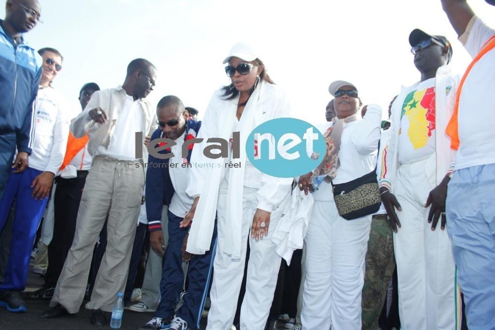 Diouma Dieng Diakhaté en tenu de sport aux côtés de Cheikh Bamba Dièye