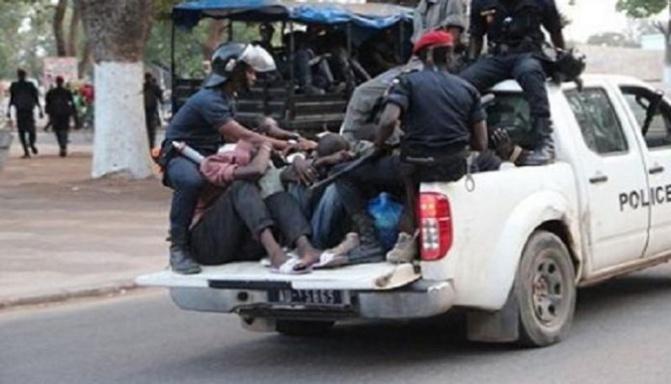Violation  du couvre-feu: 209 personnes interpellées entre Pikine et Guédiawaye