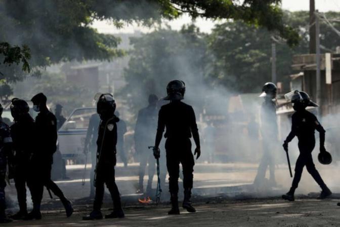 """Affrontements chez le leader du Pastef: """"Nous ne sommes pas venus chercher Ousmane Sonko"""" (Police)"""