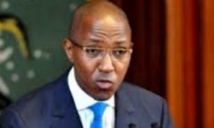 Fin des concertations nationales sur l'enseignement supérieur : Abdoul Mbaye reçoit les propositions et promet la poursuite de la réflexion sur les frais d'inscriptions.