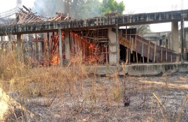 Incendie à l'université de Ziguinchor: D'énormes dégâts, le court-circuit est à exclure, selon un responsable