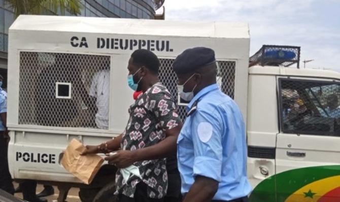 Des militantes du Pastef arrêtées: Ousmane Sonko interdit d'accès à la Police de Dieuppeul