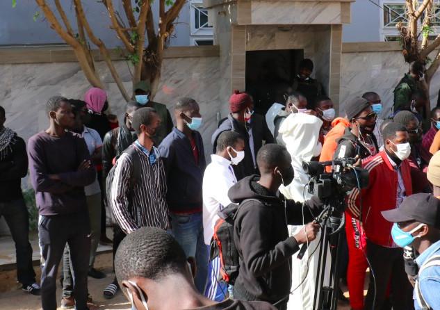 Cité Keur Gorgui: Ousmane Sonko sort, la tension monte, d'autres grenades tombent…