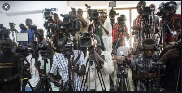 Convoi de Ousmane Sonko: Un cadreur d'Ouest TV aurait recu une balle