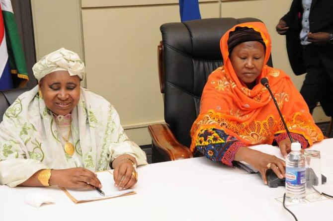 Gambie: Refus de soutenir Adama Barrow, les deux anciennes vice-présidentes sevrées de sécurité