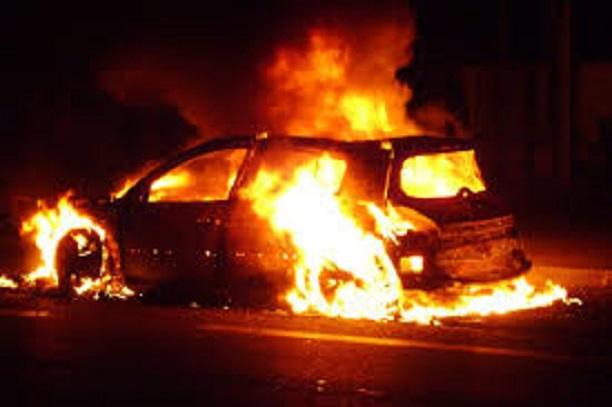 Manifestations à la Médina: La RFM touchée, des voitures incendiées