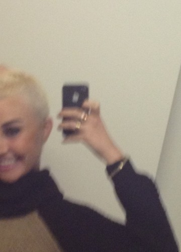 PHOTO Amanda Bynes se rase les cheveux